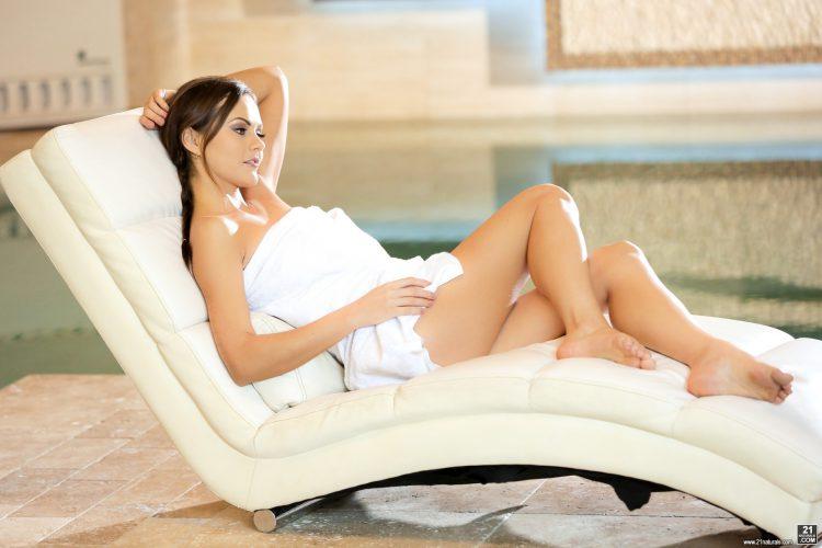 tina-kay-toes-in-the-hot-tub-21naturals-5693222-3698524660